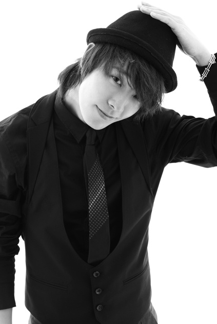 صور فرقة سوبر جونير Super-junior-m-blach-white-donghae