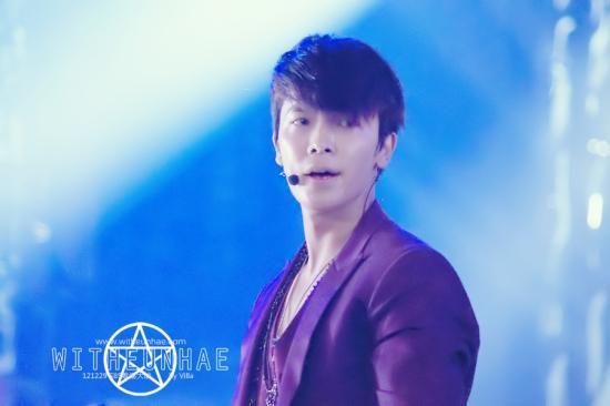 121229 eunhyuk donghae  (2)