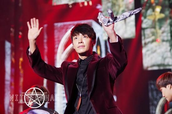 121229 eunhyuk donghae  (4)