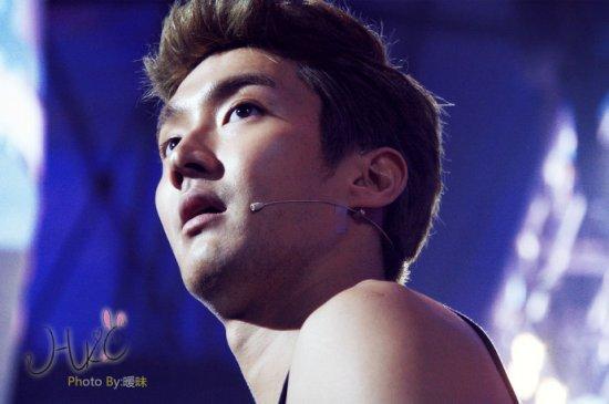 130127 Siwon 1