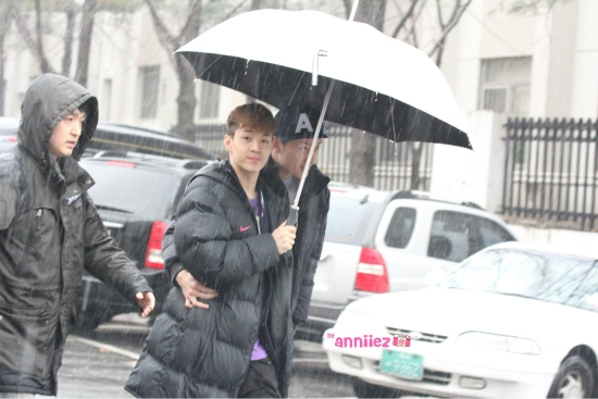 130201 Zhou Mi and Henry 1