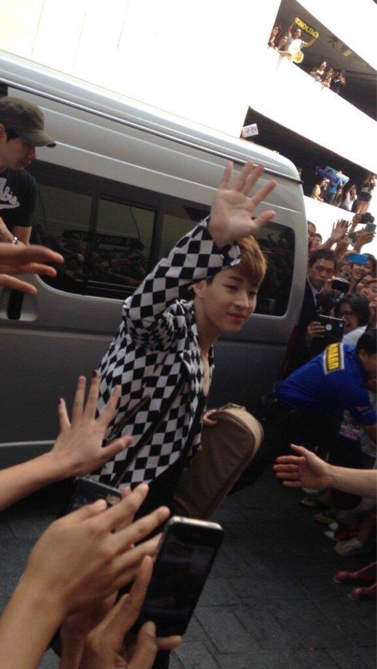130217 Super Junior-M at Maleenon 1