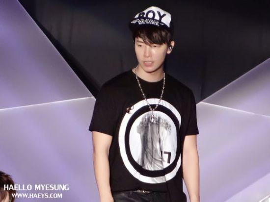 130222 donghae (1)