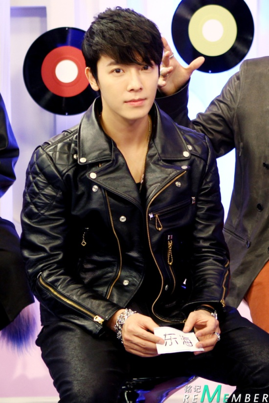 130108 Super Junior- M Music Billboard Interview by RememberM (1)