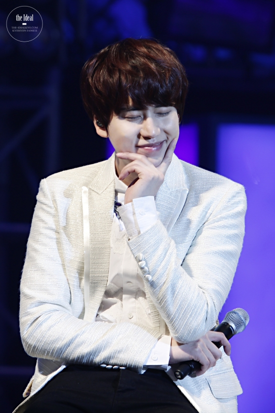 130302 Super Junior-M FM in Shanghai with Kyuhyun By The-IdealKyu (1)