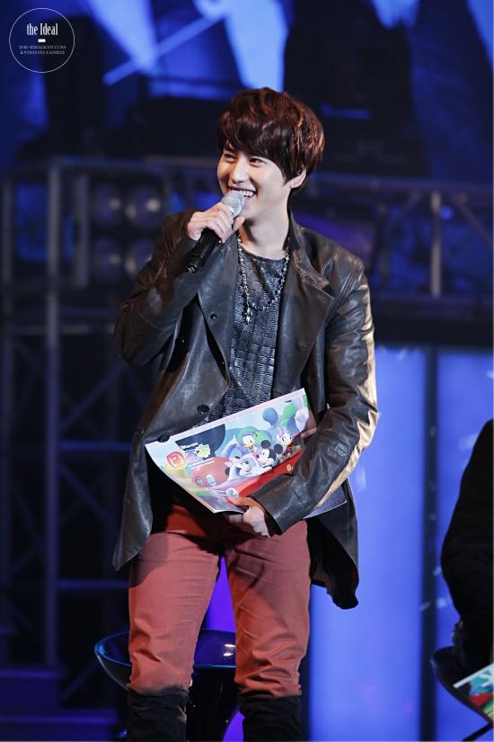130302 Super Junior-M FM in Shanghai with Kyuhyun By The-IdealKyu (10)