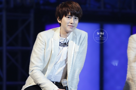 130302 Super Junior-M FM in Shanghai with Kyuhyun By The-IdealKyu (14)