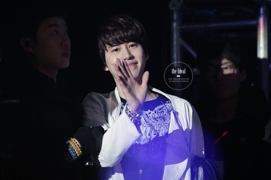 130302 Super Junior-M FM in Shanghai with Kyuhyun By The-IdealKyu (15)