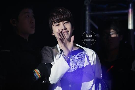 130302 Super Junior-M FM in Shanghai with Kyuhyun By The-IdealKyu (15)