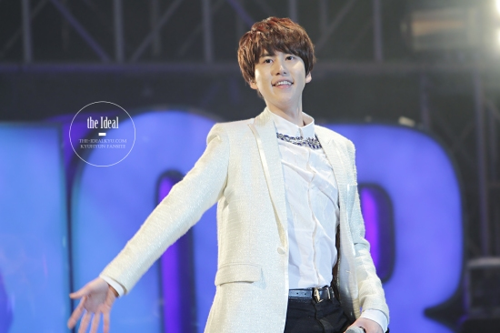 130302 Super Junior-M FM in Shanghai with Kyuhyun By The-IdealKyu (2)