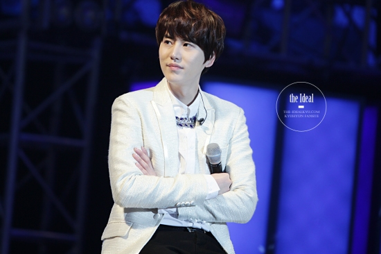 130302 Super Junior-M FM in Shanghai with Kyuhyun By The-IdealKyu (6)