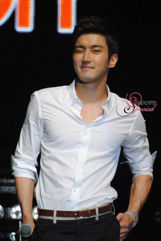 130306 Siwon 15