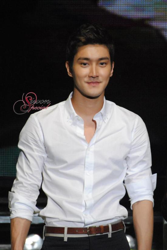 130306 Siwon 17