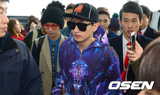 130308 Super Junior at Incheon Airport (to Jakarta) (18)