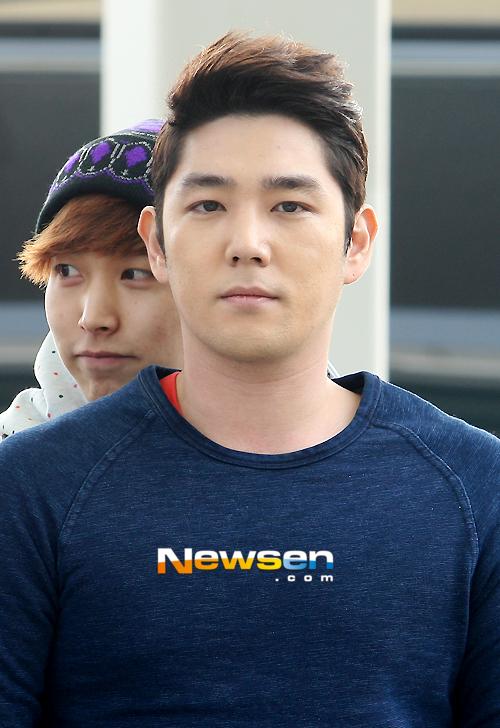 130308 Super Junior at Incheon Airport (to Jakarta) (5)