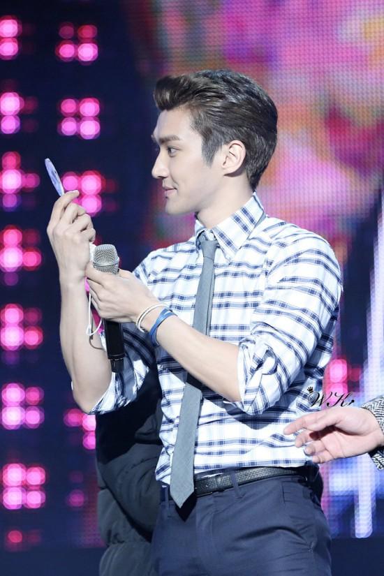 130214 Siwon 10