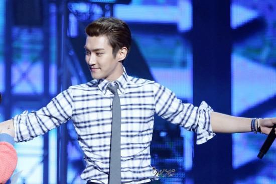 130214 Siwon 3