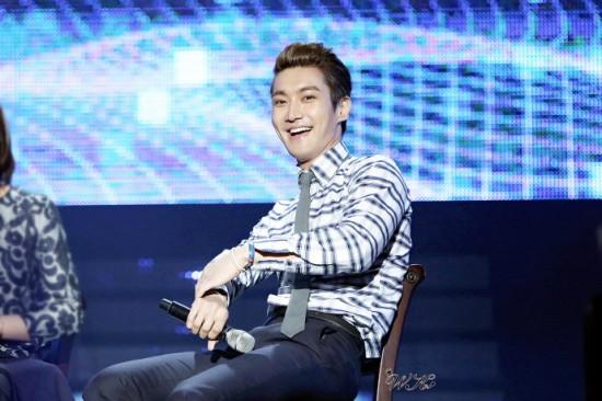 130214 Siwon 4
