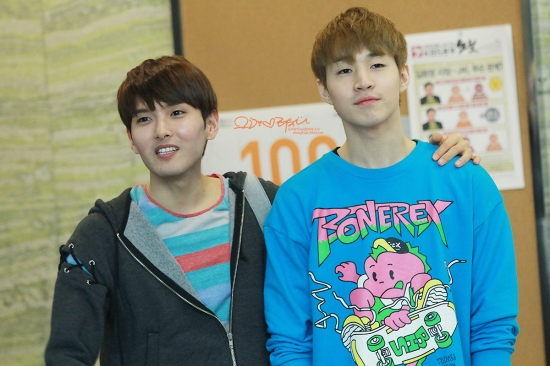 130408 Ryeowook & Henry 1