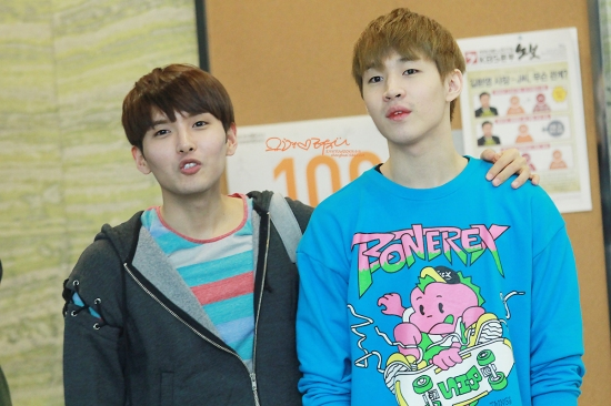 130408 Ryeowook & Henry