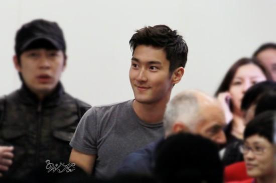 130412 Siwon 1