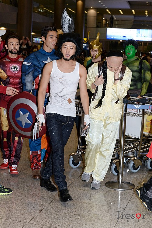 130430 OFFICIAL Super Junior (Super Heros) at Incheon Airport (From LA) By tresorstudio(1)