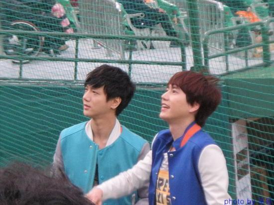 130416 Yesung Kyuhyun 1