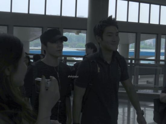 130526 Super Junior at Gimpo Airport (to Busan) by shijialee (1)