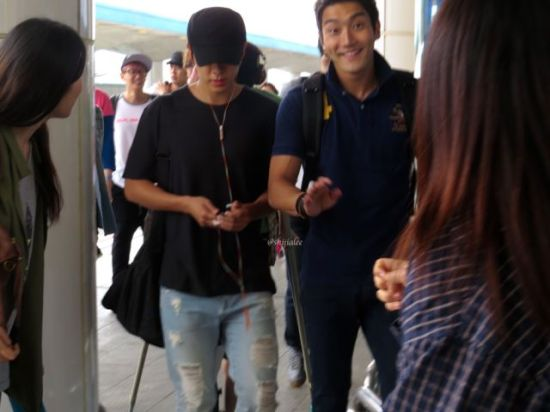 130526 Super Junior at Gimpo Airport (to Busan) by shijialee (11)