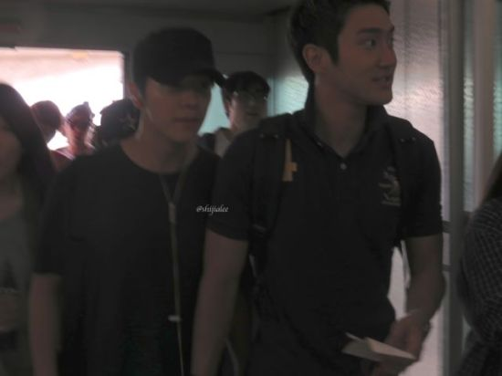 130526 Super Junior at Gimpo Airport (to Busan) by shijialee (12)