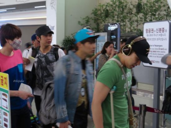 130526 Super Junior at Gimpo Airport (to Busan) by shijialee (22)