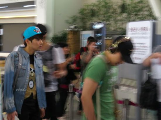 130526 Super Junior at Gimpo Airport (to Busan) by shijialee (24)