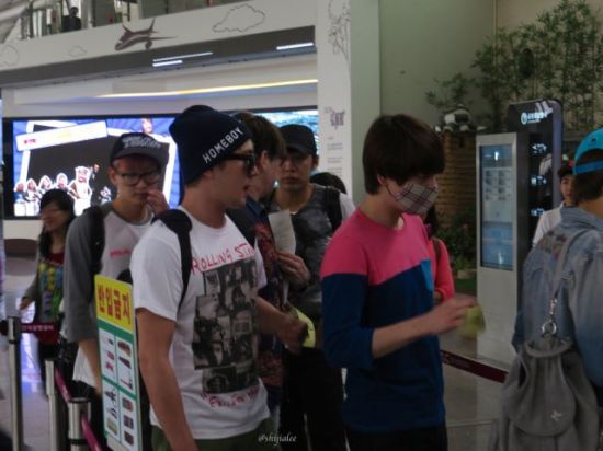 130526 Super Junior at Gimpo Airport (to Busan) by shijialee (32)
