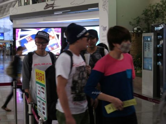130526 Super Junior at Gimpo Airport (to Busan) by shijialee (33)