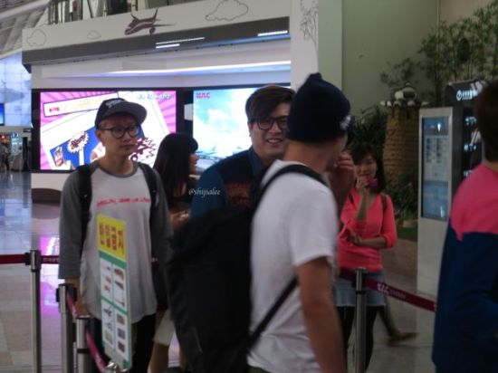 130526 Super Junior at Gimpo Airport (to Busan) by shijialee (35)