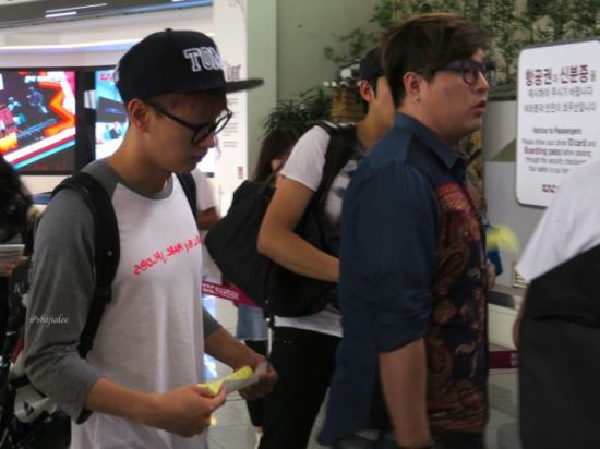 130526 Super Junior at Gimpo Airport (to Busan) by shijialee (38)