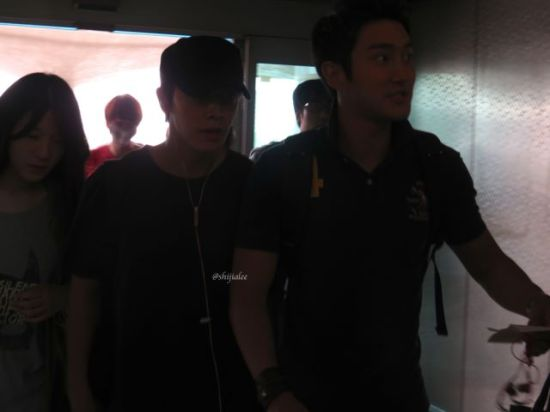 130526 Super Junior at Gimpo Airport (to Busan) by shijialee (5)