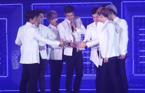 130615-ss5hkd1-forest-03