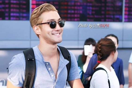 130809 OFFICIAL, Siwon at Taoyuan Airport (from Korea) by 台灣CAPA (3)