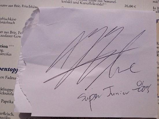 130922 eunhyuk amp kyuhyun�s signature autograph 2p