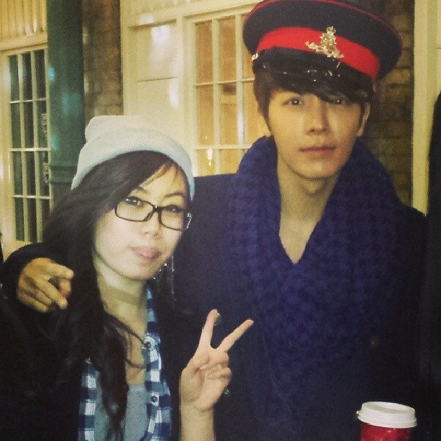 131113 donghae with fans