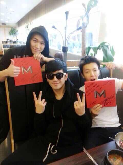 140214 Lee Minwoo (SHINHWA) Facebook Update with Sungmin and