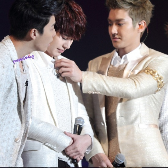 130119 Super Junior-M Nanjing Fanmeeting with Siwon and Kyuhyun cr- 詠_purpleSWing (2)