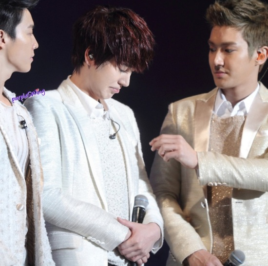 130119 Super Junior-M Nanjing Fanmeeting with Siwon and Kyuhyun cr- 詠_purpleSWing (6)