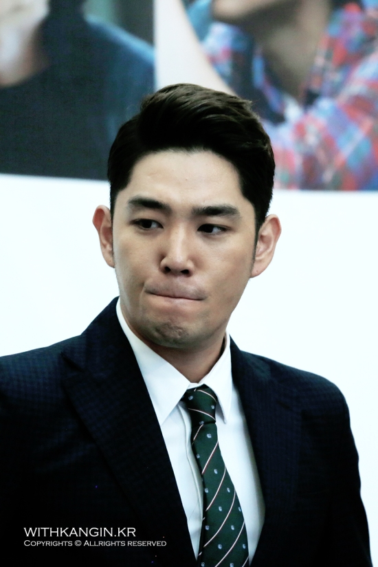 130911 [Travel Book] Super Junior Experience Korea Book Sign – Kangin by withkangin (6)