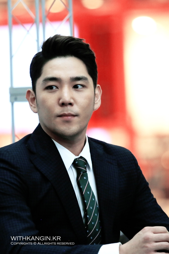 130911 [Travel Book] Super Junior Experience Korea Book Sign – Kangin by withkangin (8)