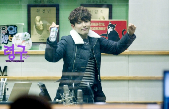 140117 Sukira (KTR) with Ryeowook by Ryeonggu (2)