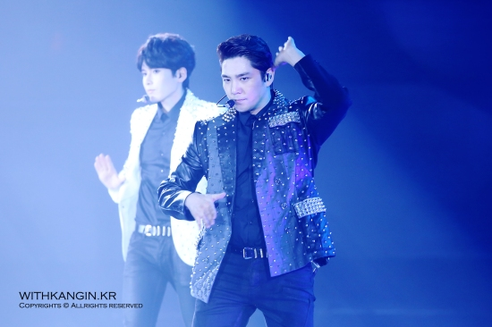 140222 Super Show 5 Tour in Beijing with Kangin by withkangin (4)