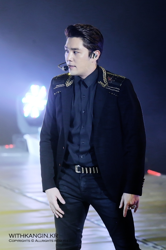 140222 Super Show 5 Tour in Beijing with Kangin by withkangin (9)