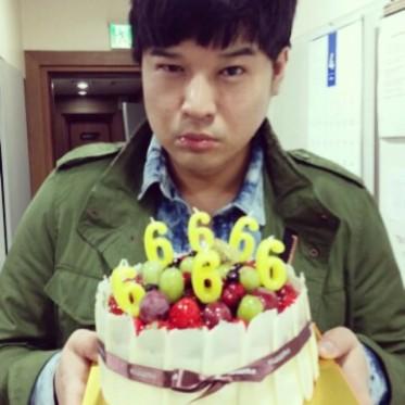 140408_Shindong_instagram